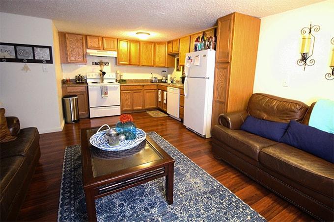 Gator Park Duplex - 2/1 - Living Room