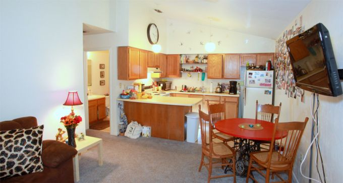 Triplex - Kitchen