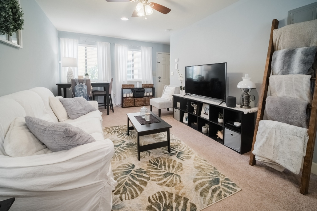Centro Luxury Apartments Closest Apartments To Uf And Midtown Circa Properties